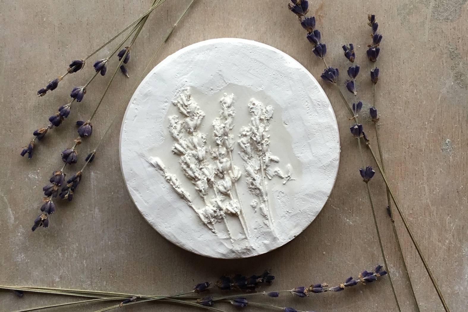 Keramik, Blüten, Künstlerin, handgemacht, Muster, Ton