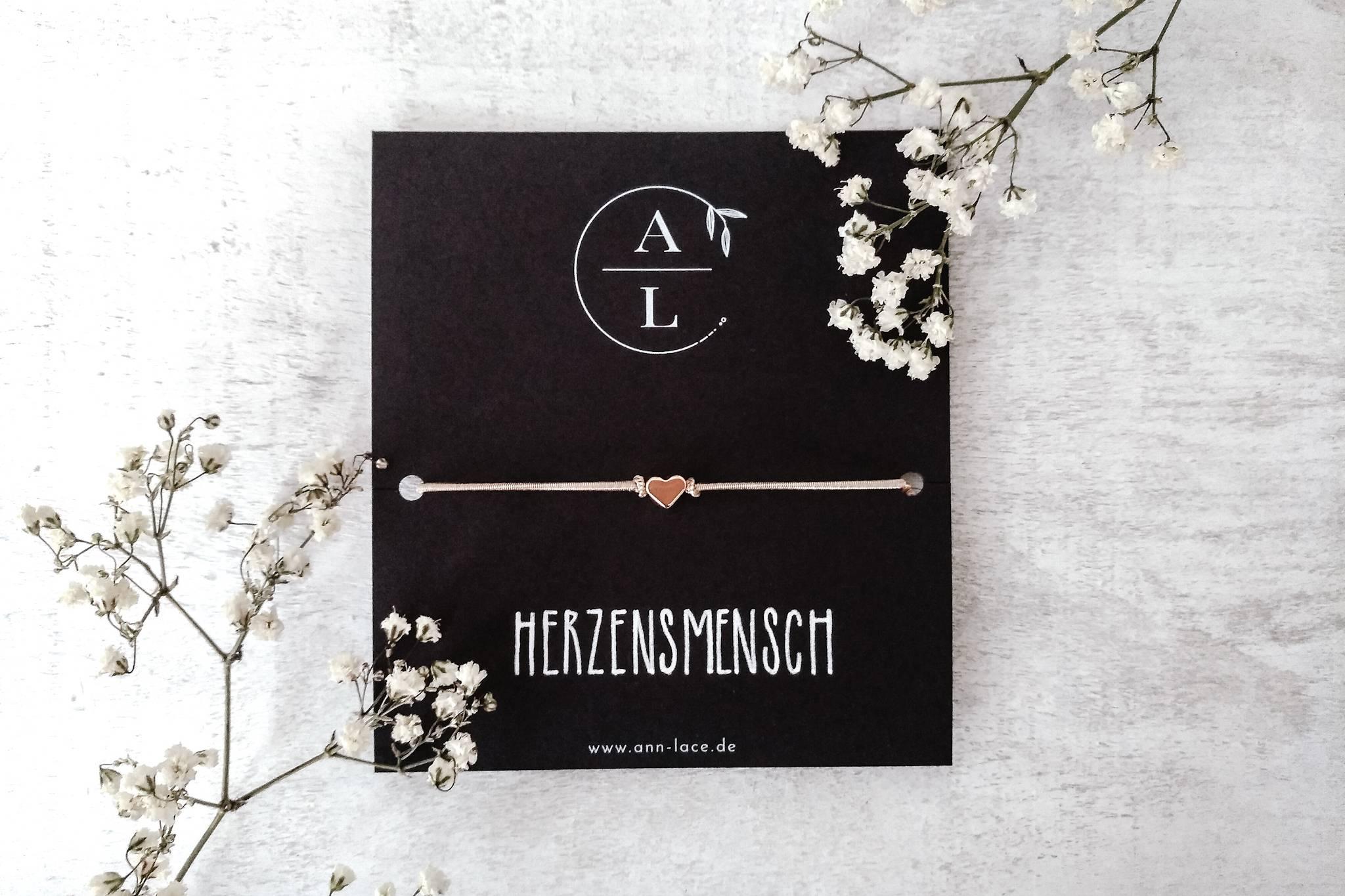 Ann Lace, handgemacht, Schmuckstücke, Bremen, indvidualisierbar, Geschenkidee, Handlettering