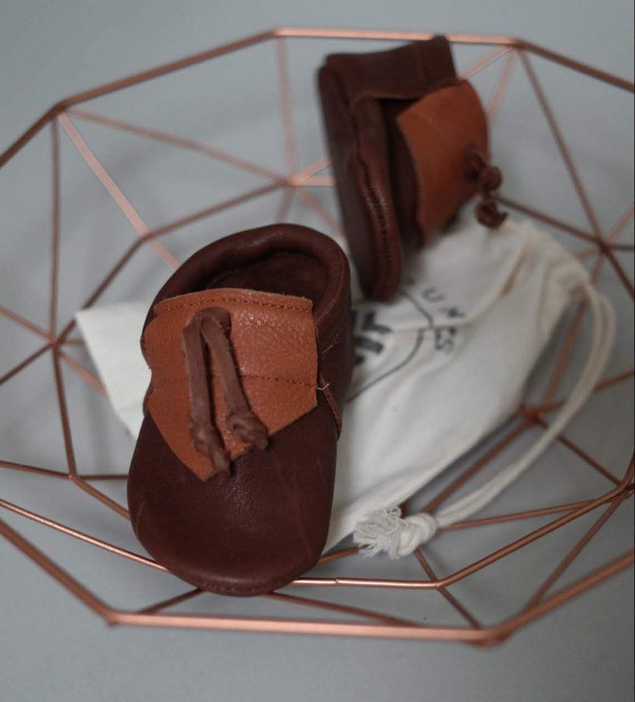 Youngs.moccs-Lederschuhe-Krabbelschuhe-handgemacht-handmade