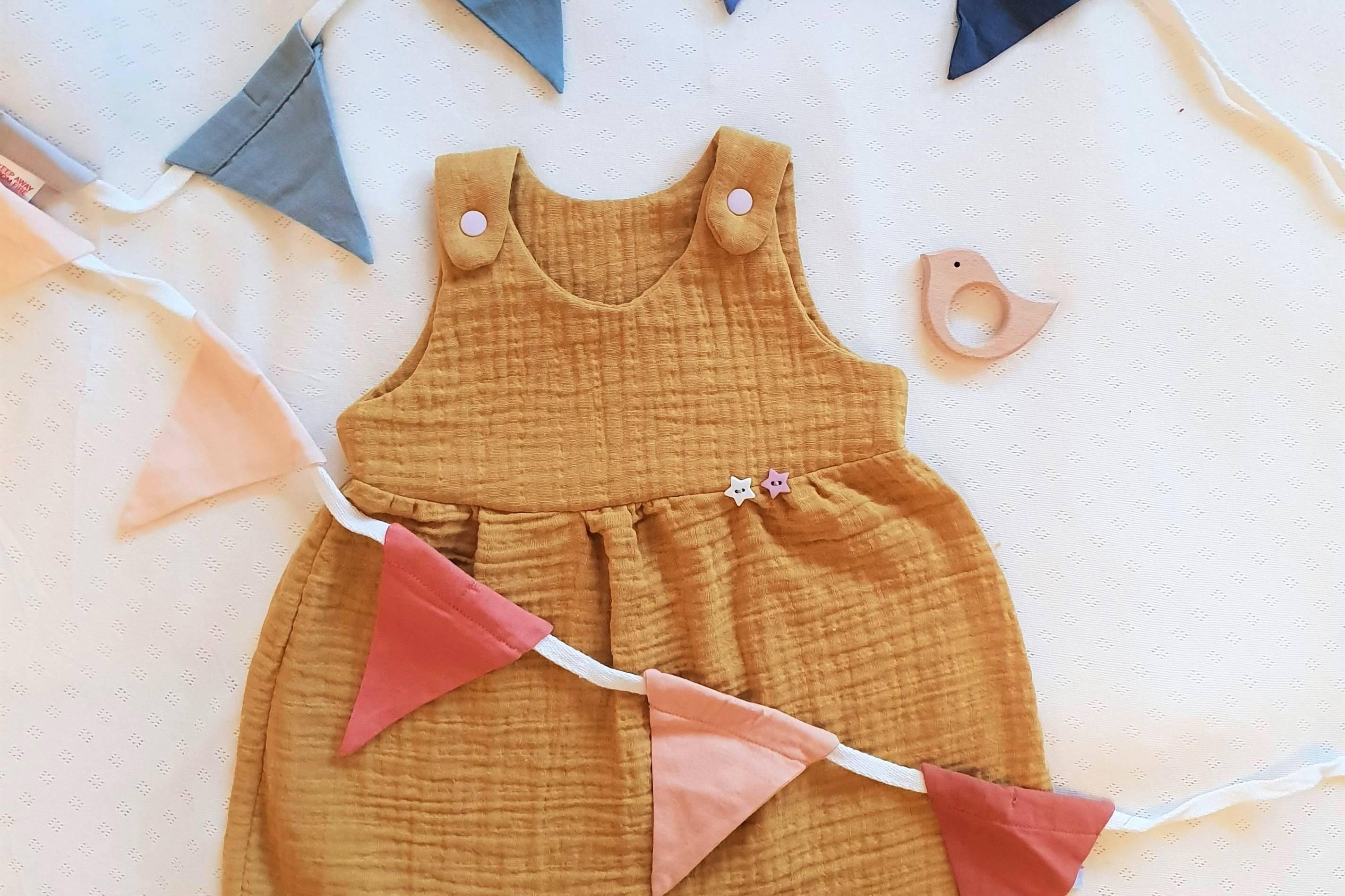 Musselinkleid-Gelber-Knopf-Handmadekleidung-nähen