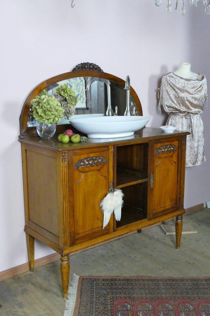 Wasserheimat-handgemachte-Möbel-Vintage-Badmöbel