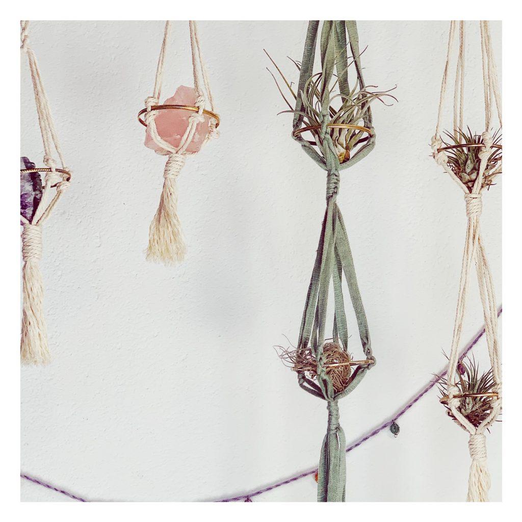 smina7stars-basteln-mit-naturmaterialien-Makramee-Blumenampel