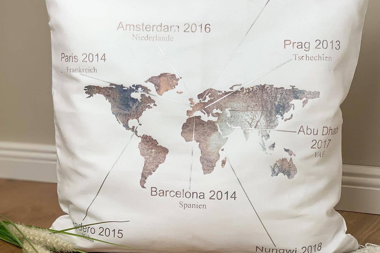 Weltkarte-Kissen-dasdoppelteplottche