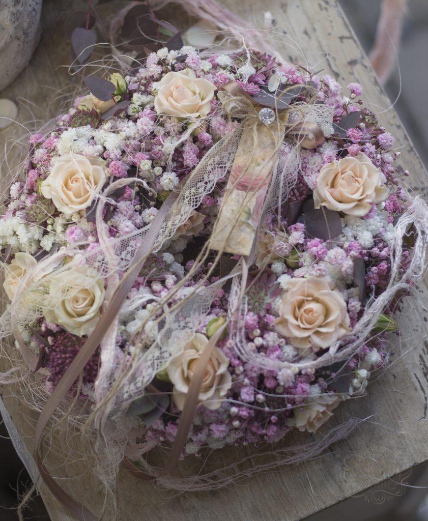 Shabby-Hone-Blumen-Floristik-Blumenrkanz