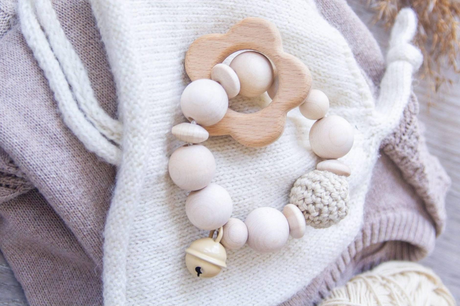 Lillesoeur-handgemacht-Babygeschenke-Schnullerkette-Greifling