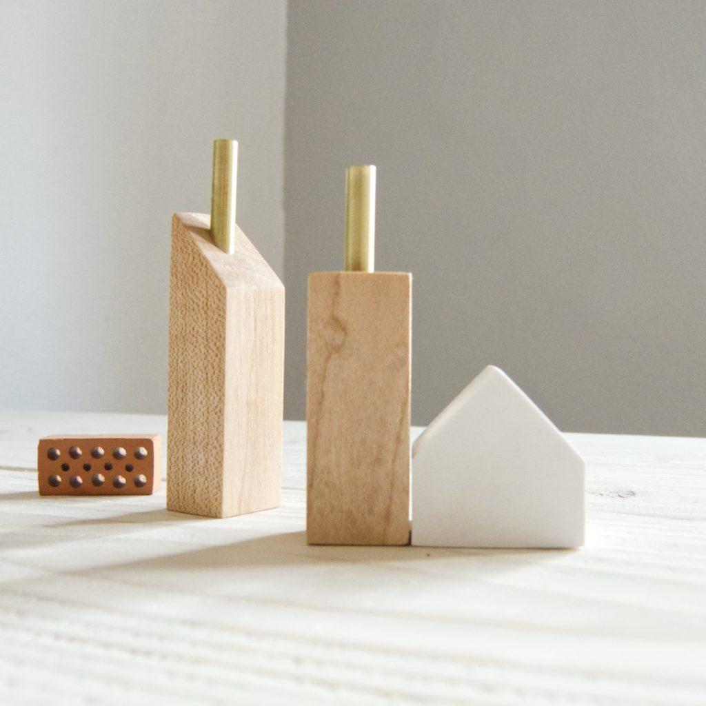 Holzhäuser-Snild-Dekoration-Handarbeit