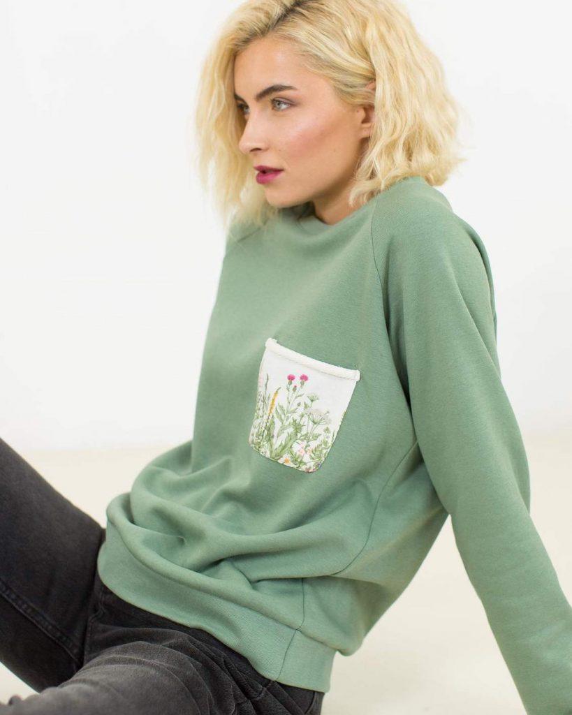 Shoko-Shop-Pullover-grün-Blüten