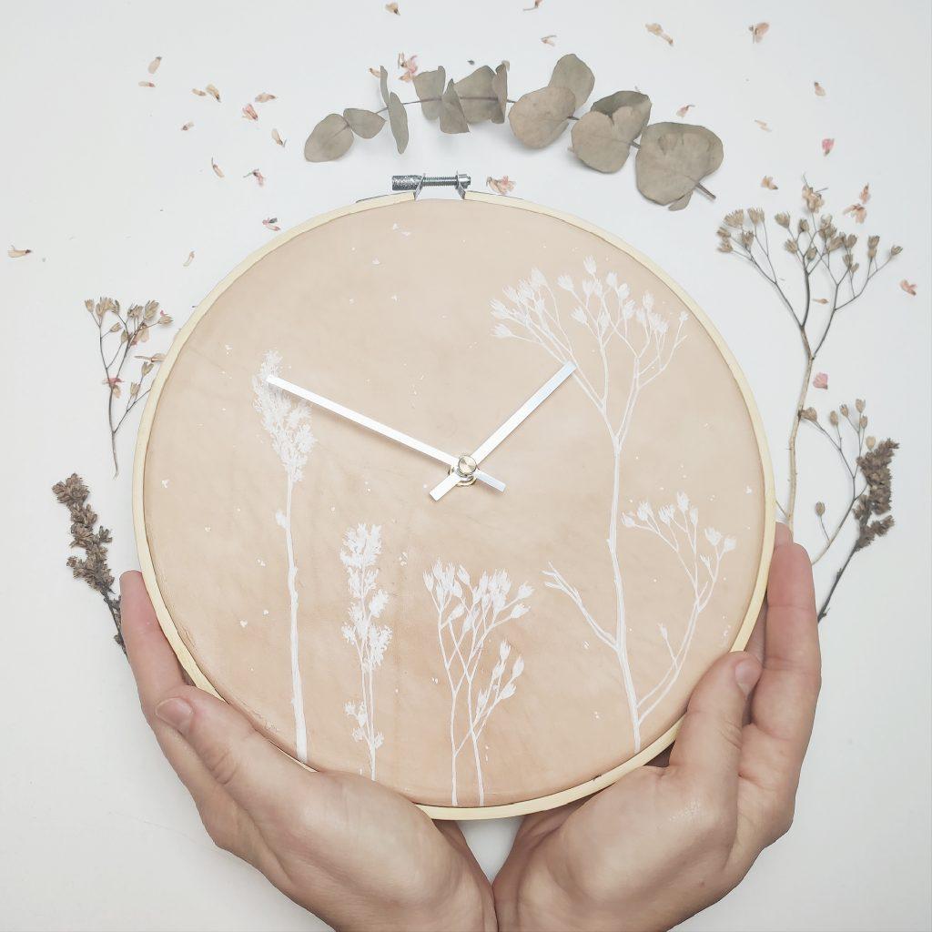Marie-Theres Kaut-Leder-Handarbeit-Uhr